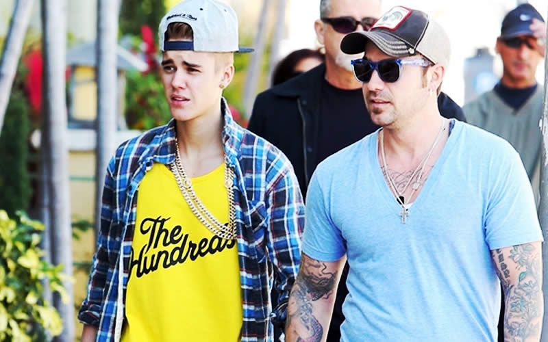 A picture of Jeremy Bieber and his son Justin Bieber
