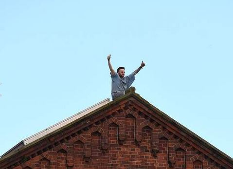 Horner during his four-day protest on top of the roof of Strangeways prison in Manchester.