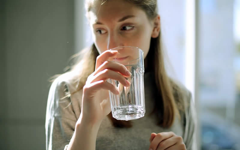 Drink at-least eight glass of water daily - How To Be Pretty