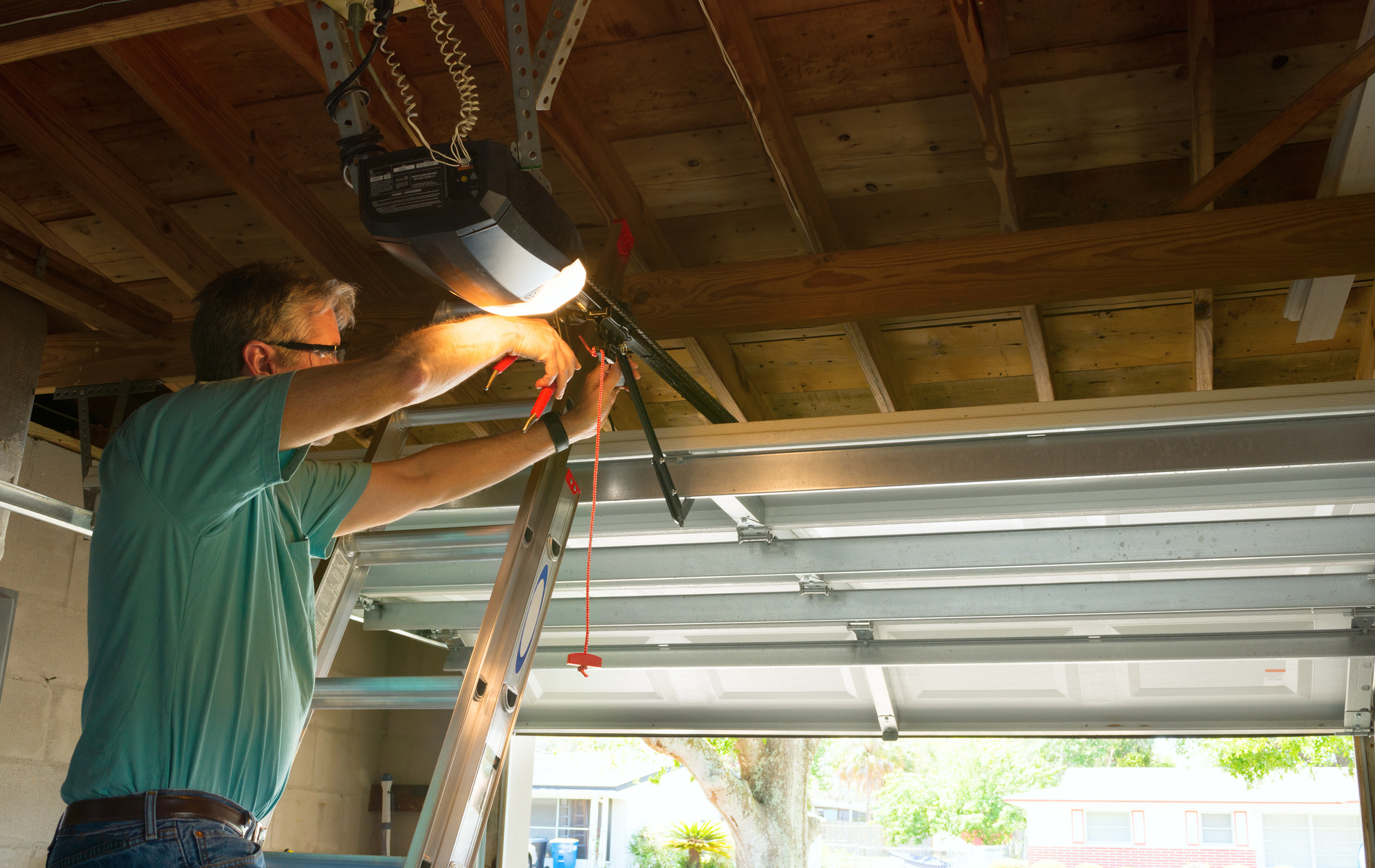 5 Ways To Fix A Squeaky Garage Door Hosbeg Com