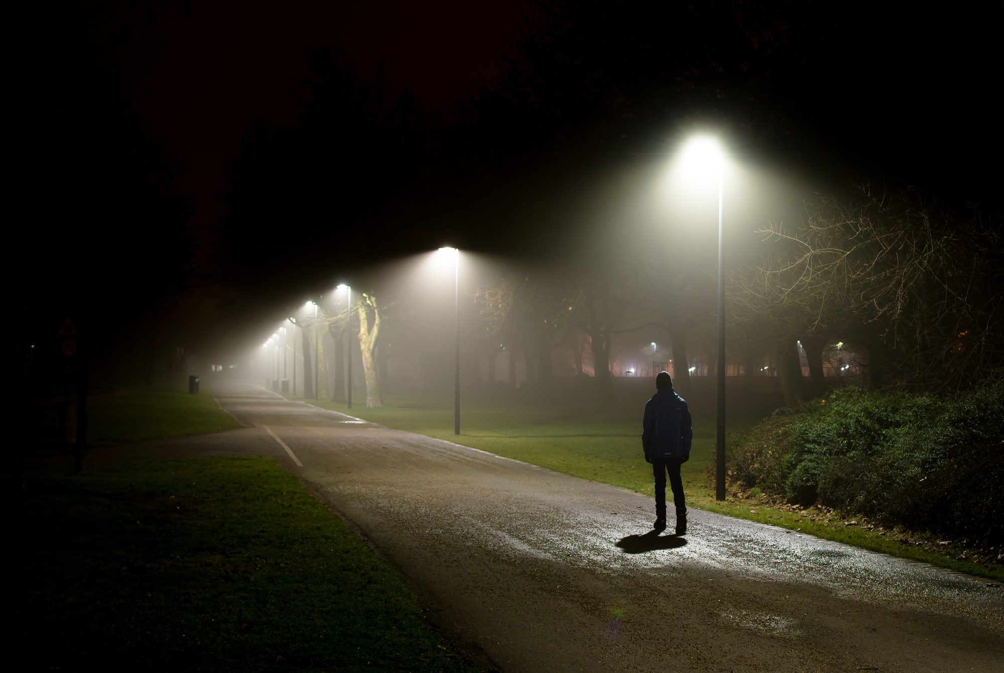 Your Guide For Staying Safe While Walking At Night-2581