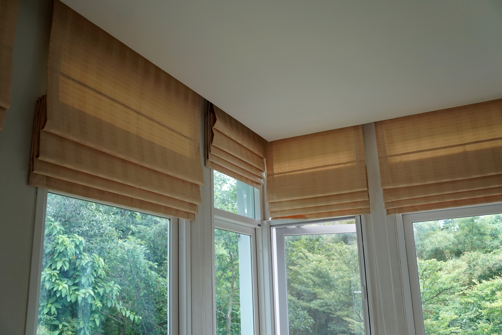 What Are Roman Shades Discussing Different Types Of